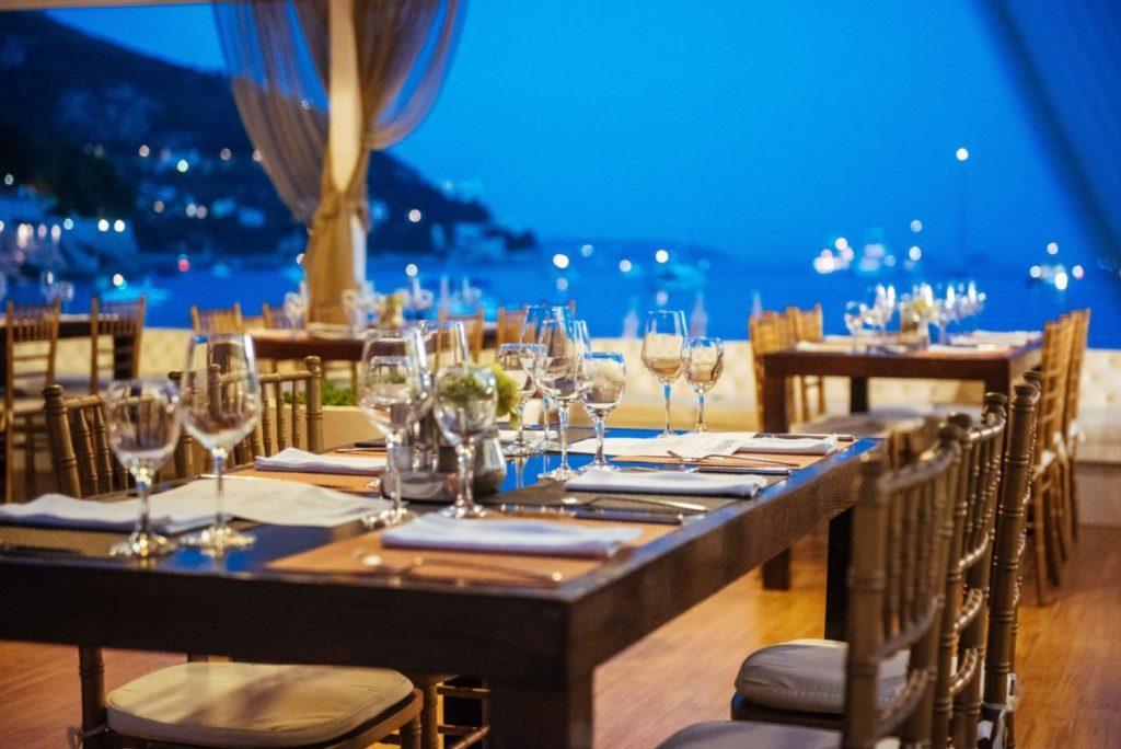 banje restaurant table