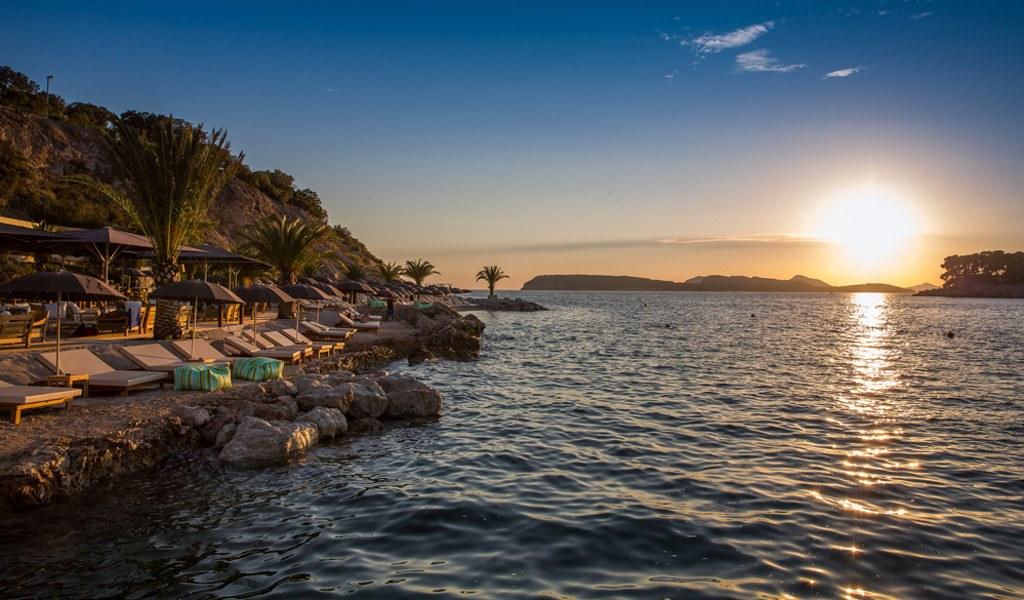 coral_beach_club_dubrovnik_beach
