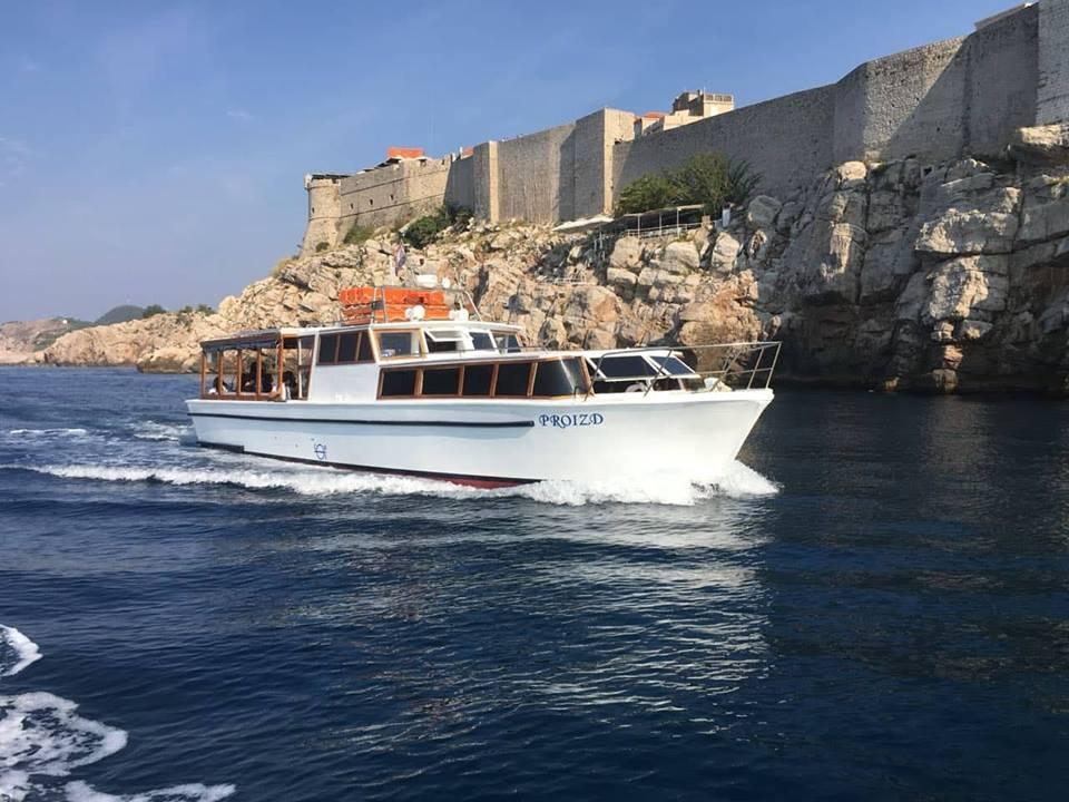 vintage group tour boat dubrovnik